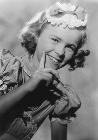 """Cornelia Froboess in """"An jedem Finger zehn"""" (1954)"""
