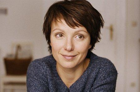 """Julia Koschitz in """"Der letzte schöne Herbsttag"""" (2010)"""