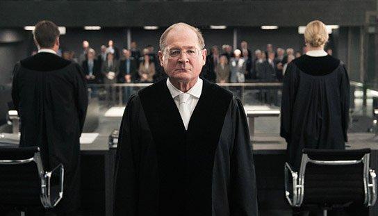 """""""Terror - Ihr Urteil"""", © ARD Degeto, Moovie GmbH, Julia Terjung"""