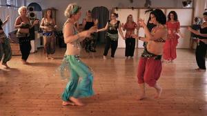Die mit dem Bauch tanzen; Quelle: Zorro Filmverleih, DIF