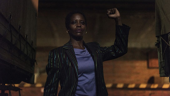 "Florence Kasumba in ""Deutschland 86"" [Episode 9] (2018); Quelle: Amazon, DFF, © UFA Fiction GmbH, African Photo Productions, Foto: Anika Molnár"