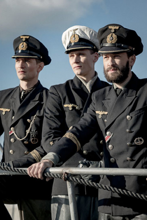 "August Wittgenstein, Rick Okon, Franz Dinda (v.l.n.r.) in ""Das Boot"" (2018);"