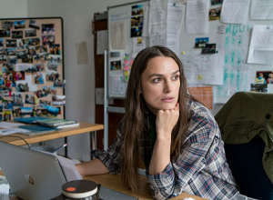 "Keira Knightley in ""Under Your Feet"" (""Berlin, I Love You"", 2019); Quelle: Warner Bros. Pictures Germany, DFF, © Martin Kunz, BILY Media"