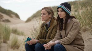 "Carla Juri, Gemma Chan (v.l.n.r.) in ""Intrigo: In Liebe Agnes"" (2019); Quelle: Twentieth Century Fox of Germany, DFF, © 2019 Twentieth Century Fox"