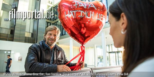 """Henning Baum, Leonie Charlotte Brill in """"Der letzte Bulle"""" (2019); Quelle: Warner Bros. Pictures Germany, DFF, © 2019 Westside, Warner Bros. Ent., Tom Trambow"""